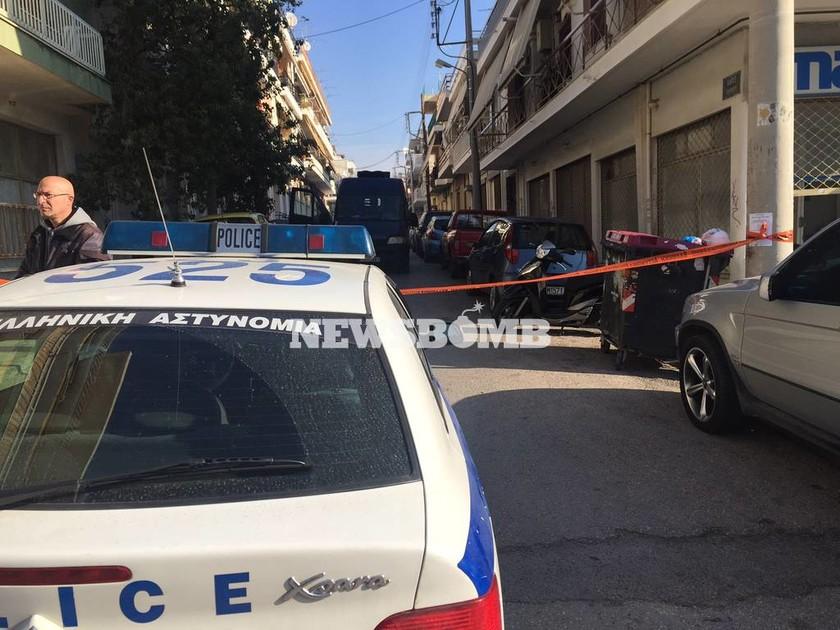 Αποκλειστικό: Η νέα εκδοχή που εξετάζουν οι Αρχές για το έγκλημα στο Περιστέρι (pics&vids)