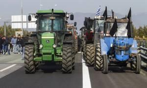 Μπλόκα αγροτών 2017: Δεν υποχωρούν οι αγρότες - Συνεχίζουν τα μπλόκα πανελλαδικά