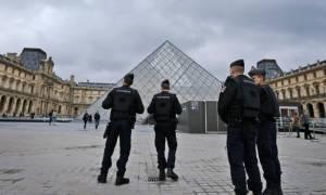 Επίθεση Λούβρο: Νέες αποκαλύψεις για τον Αιγύπτιο που ήθελε να αιματοκυλήσει το Παρίσι
