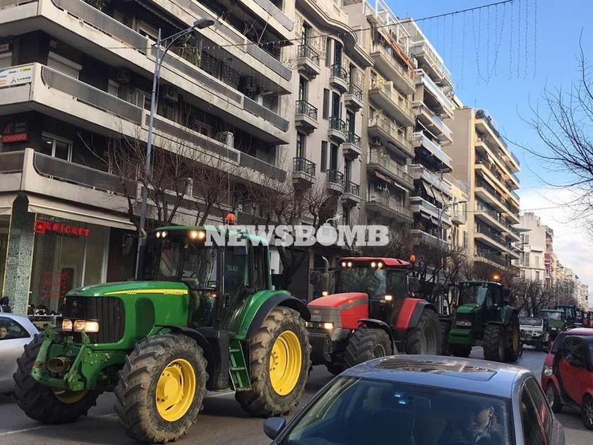 Μπλόκα αγροτών 2017: Αυτοί οι δρόμοι κλείνουν σήμερα Σάββατο - Όλες οι κινητοποιήσεις