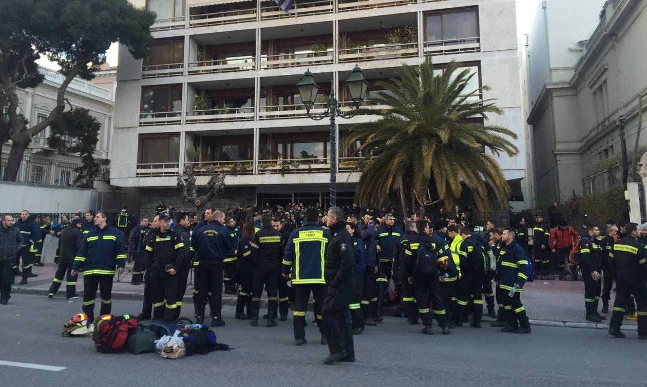 Θα «κατασκηνώσουν» στο Διοικητικής Μεταρρύθμισης οι πυροσβέστες