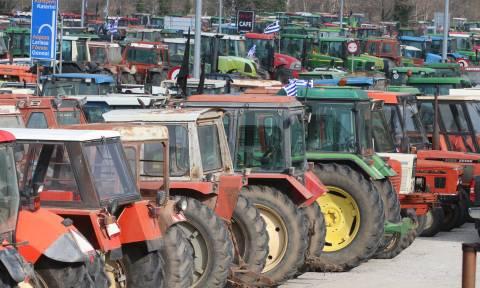 Μπλόκα αγροτών: Διπλό μπλόκο στην Αχαΐα - Ποιοι δρόμοι είναι κλειστοί