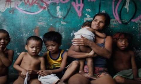 Βίντεο - γροθιά στο στομάχι: Τα παιδιά της πόλης του σεξοτουρισμού στέλνουν μήνυμα στον πατέρα τους