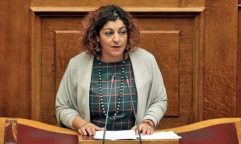 «Μάζεψαν» την τροπολογία της ντροπής για τους αποσπασμένους εκπαιδευτικούς στα βουλευτικά γραφεία