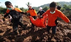 Τραγωδία στο Μπαλί – Δώδεκα νεκροί από κατολισθήσεις