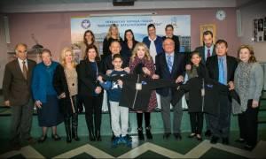 Ο Σύλλογος «Ελπίδα» διανέμει 10.000 μπουφάν σε παιδιά ευπαθών κοινωνικών ομάδων