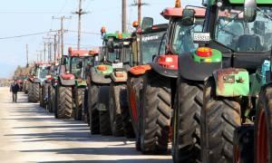 Μπλόκα αγροτών 2017: Τα τρακτέρ κόβουν την Ελλάδα στα δύο - Ποιοι δρόμοι κλείνουν