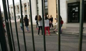 Αυτή είναι η δημόσια δωρεάν Παιδεία: 4.350 ευρώ το χρόνο πληρώνει μια οικογένεια για κάθε μαθητή