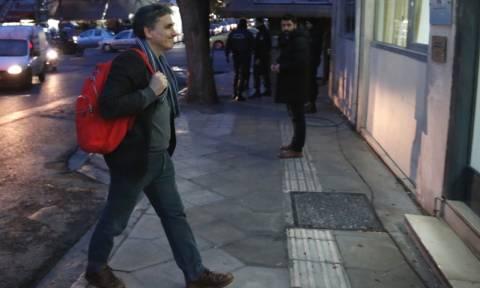 Τσακαλώτος καρφώνει Τσίπρα: Διαπραγματευτικός ελιγμός η δήλωση «δεν θα δεχθούμε ούτε ένα ευρώ μέτρα»
