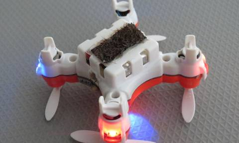 Το πρώτο drone που αναλαμβάνει ρόλο… μέλισσας!