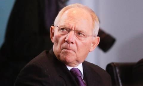 La Tribune: Έτσι παγίδευσε την Ελλάδα ο Σόιμπλε