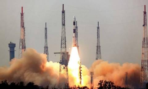 Η Ινδία έστειλε στο διάστημα με έναν πύραυλο... 104 δορυφόρους! (video)