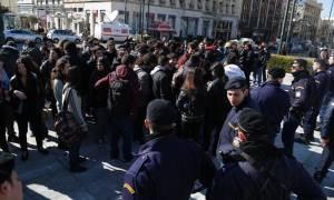 Διαμαρτυρία φοιτητών στα Προπύλαια για την αναγόρευση του Μοσκοβισί ως επίτιμου διδάκτορα του ΕΚΠΑ