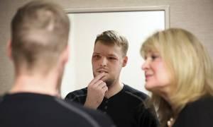 Μινεσότα: Η συγκλονιστική ιστορία νεαρού άνδρα που υποβλήθηκε σε μεταμόσχευση προσώπου (pics+vid)