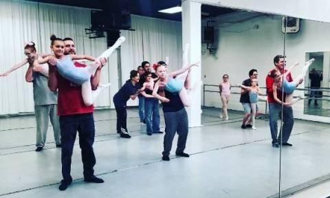 Οι ξεκαρδιστικές προσπάθειες μπαμπάδων να κάνουν μπαλέτο με τις κόρες τους! (vids)
