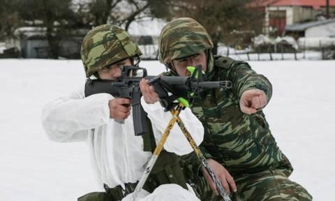 Συγκλονιστικές εικόνες από το Περτούλι: Υπαξιωματικοί εκπαιδεύονται στο χιόνι!