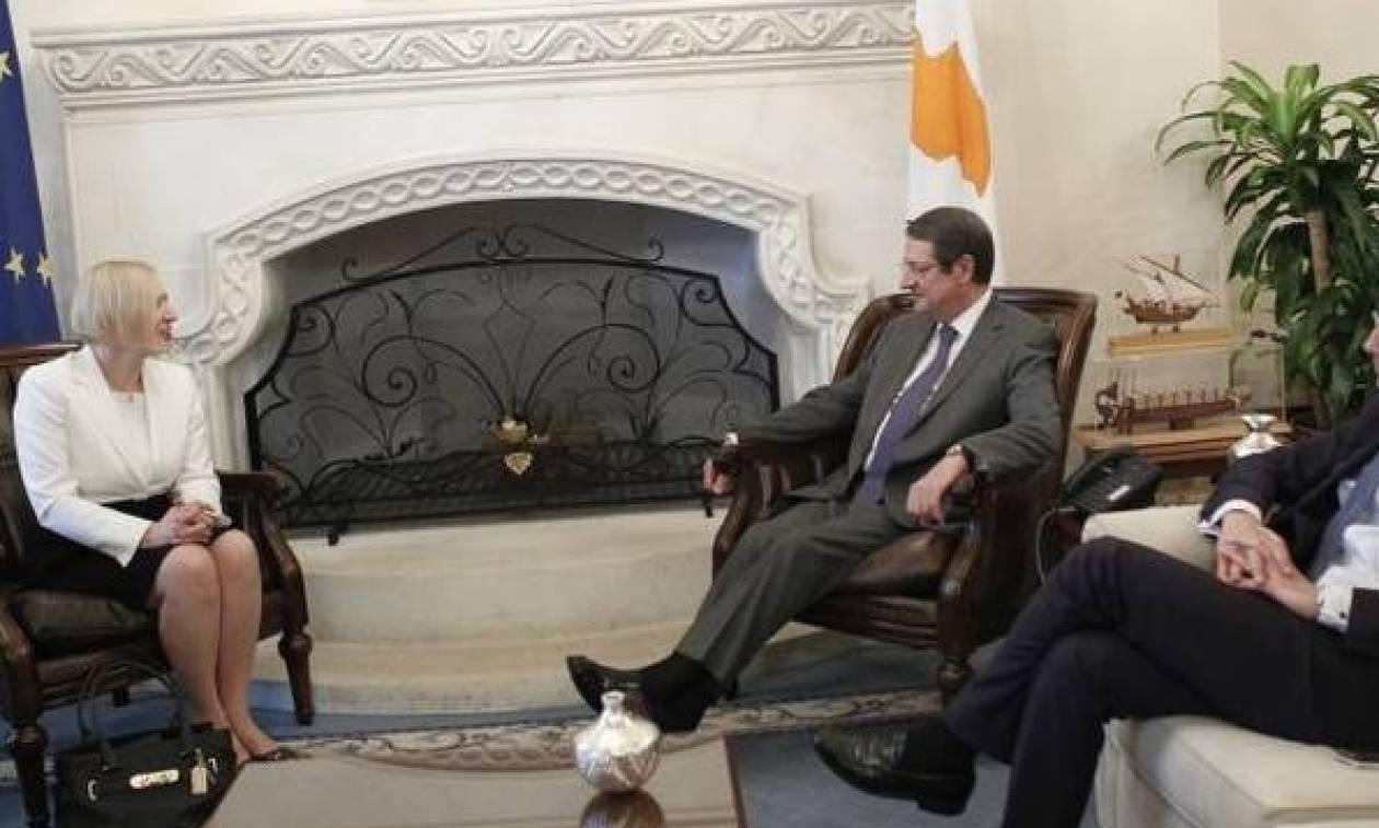 Χωριστές συναντήσεις Σπέχαρ με Αναστασιάδη και Ακιντζί
