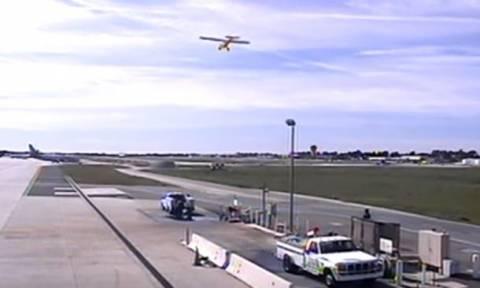 Τρομακτικό βίντεο: Το αεροπλάνο του Χάρισον Φορντ περνά ξυστά από boeing γεμάτο επιβάτες!