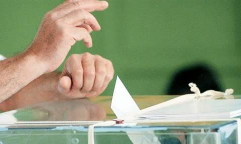 Απίστευτο: Ο ΣΥΡΙΖΑ φοβάται εκλογική συντριβή και δίνει δικαίωμα ψήφου στους μετανάστες!