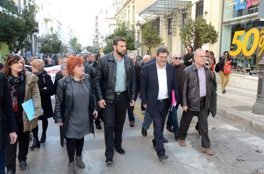 Πάτρα: Αθώος ο Κώστας Πελετίδης - Ζητωκραυγές μέσα στο δικαστήριο (pics)