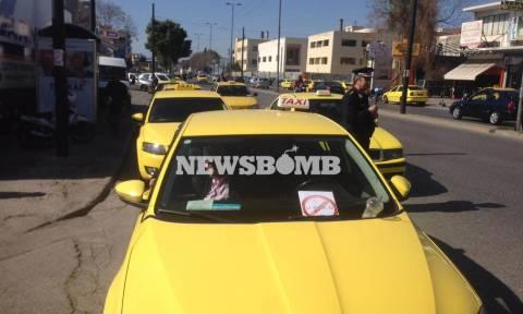 Απάντηση της ΝΔ για τις διαμαρτυρίες των οδηγών ταξί σε σχέση με την πλατφόρμα Uber