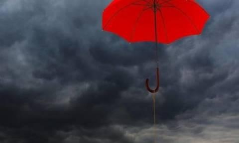 Καθαρά Δευτέρα καιρός – Με βροχές θα κάνουμε κούλουμα: Δείτε πού χρειάζεται… ομπρέλες