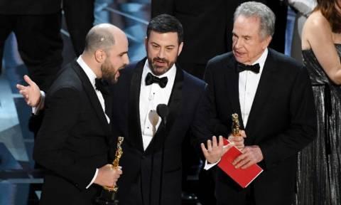 Όσκαρ 2017: Ποιος είναι υπεύθυνος για τη μεγαλύτερη γκάφα στην ιστορία των βραβείων; (Vid)