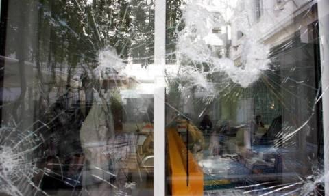 ΝΔ και ΣΥΡΙΖΑ καταδικάζουν την επίθεση στο Γαλλικό Ινστιτούτο Αθηνών