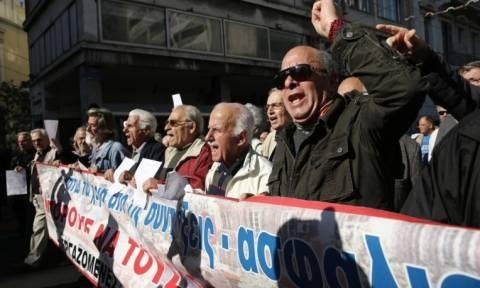 Προσωπική διαφορά: Αυτές είναι οι περικοπές που θα «γονατίσουν» κι άλλο τους συνταξιούχους