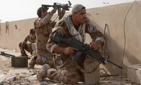 Ιράκ: Αποκλείστηκε κάθε πρόσβαση στη Μοσούλη – Εγκλωβισμένοι οι τζιχαντιστές του ISIS (Vid)