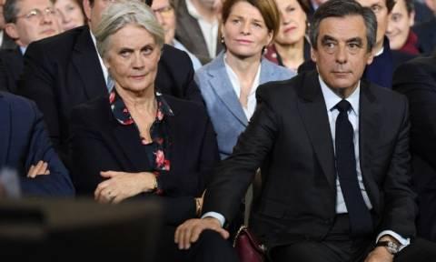 Σκάνδαλο «Penelopegate»: Δικαστική πηγή διαψεύδει την κράτηση της σύζυγου του Φρανσουά Φιγιόν