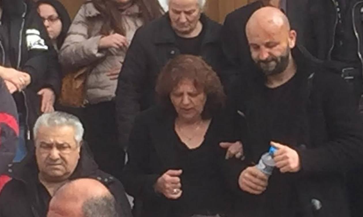Δυστύχημα Πόρσε: Συντετριμμένος ο Υπάτιος Πατμάνογλου στις κηδείες της γυναίκας και του παιδιού του