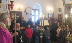 Οι μαθητές της Φολεγάνδρου στη Θεία Λειτουργία για την Παναγία «Μαρτιάτισσα» (pics)