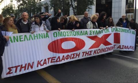 Χάος στο κέντρο της Αθήνας: Τέσσερις συγκεντρώσεις διαμαρτυρίας (pics+vids)