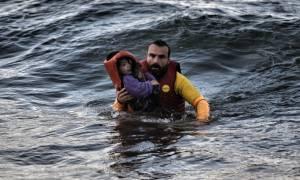 Προειδοποίηση Κομισιόν: Έρχονται κυρώσεις σε όσες χώρες αρνούνται πρόσφυγες από Ελλάδα και Ιταλία