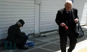 Σε απόγνωση το ελληνικό νοικοκυριό, με σπίτι, αυτοκίνητο αλλά χωρίς λεφτά!