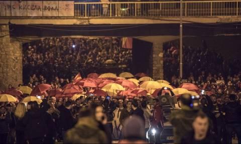 Άκαρπες οι διαβουλεύσεις Μογκερίνι στα Σκόπια – Στο χάος οδεύει η χώρα