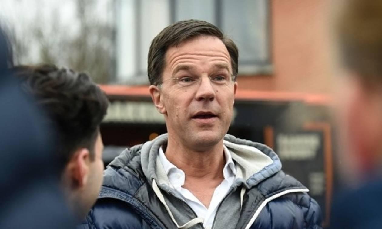 Ολλανδία: Οι πολιτικοί έγιναν... «ταμαγκότσι» και ζητούν τη φροντίδα των ψηφοφόρων!