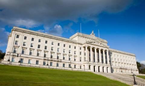 Βόρεια Ιρλανδία: Με μόλις χίλιες ψήφους διαφορά το φιλοβρετανικό κόμμα DUP κέρδισε τις εκλογές