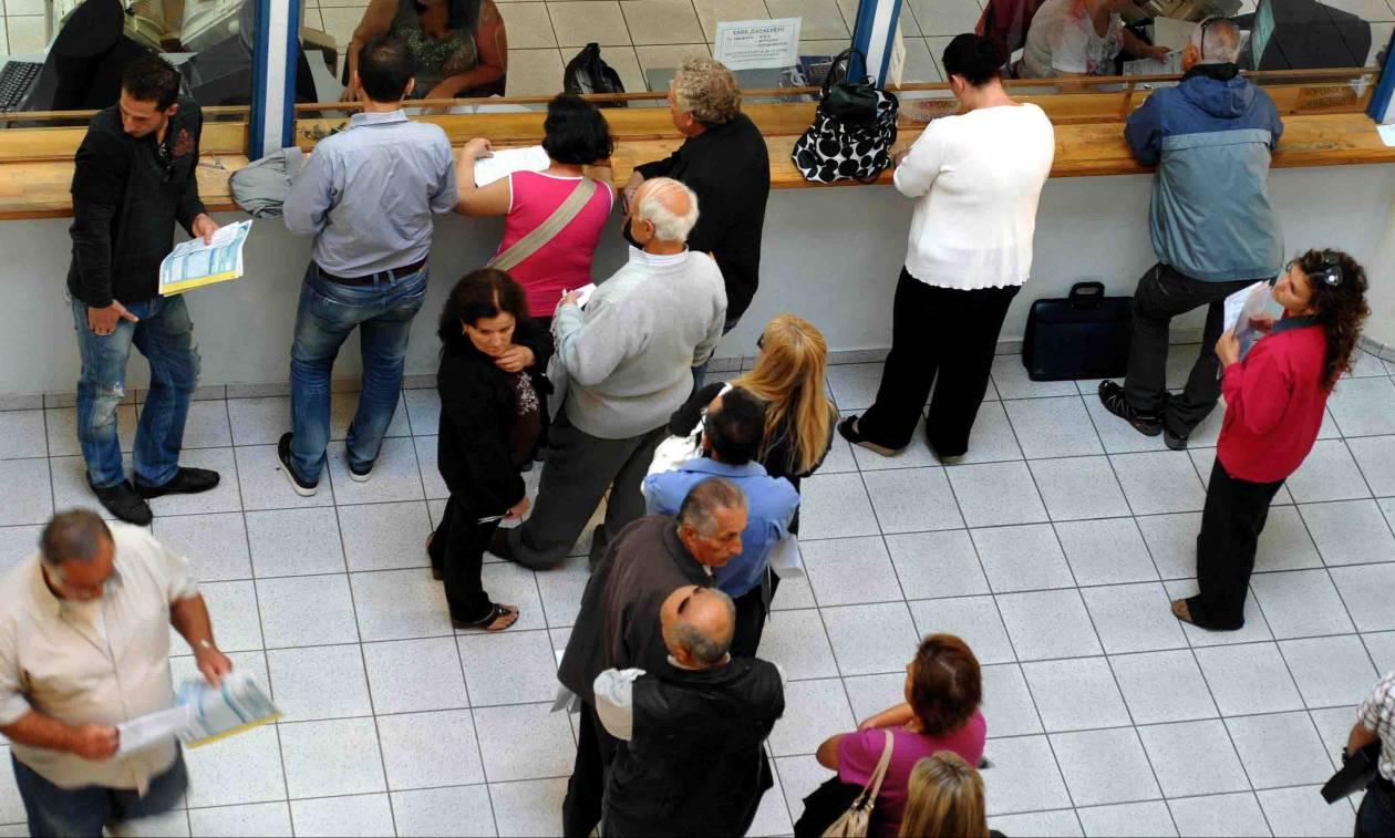 Φορολογικές δηλώσεις: Οι 12 ανατροπές - Τι ισχύει για απαλλαγές, τεκμήρια διαβίωσης και πόθεν έσχες