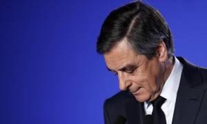 Γαλλία: Η Πενέλοπι Φιγιόν καλεί τον σύζυγό της να συνεχίσει «μέχρι τέλους»