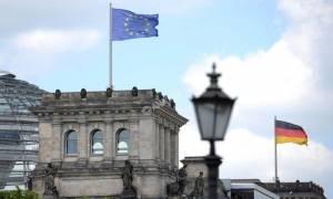 Το Βερολίνο απορρίπτει πρόταση για χρηματοδότηση ευρωπαϊκού ταμείου αμυντικών ερευνών μέσω ομολόγων