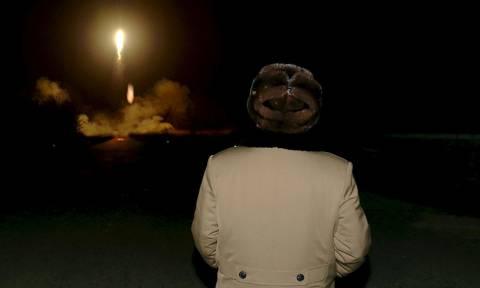 O Κιμ Γιονγκ Ουν «ξαναχτύπησε»: Eκτόξευσε τέσσερις πυραύλους, οι τρεις εντός της ΑΟΖ της Ιαπωνίας
