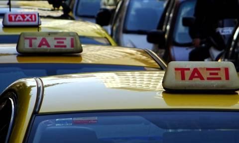 Συναγερμός για νέες επιθέσεις σε οδηγούς ταξί στην Αθήνα: Νεαρός τους μαχαιρώνει στη μέση του δρόμου