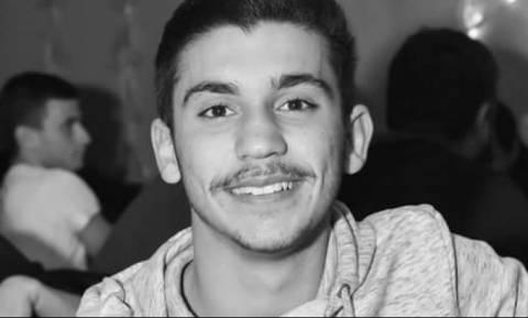 Το τελευταίο «αντίο» στον 19χρονο Γιάννη - Ράγισαν καρδιές στην κηδεία