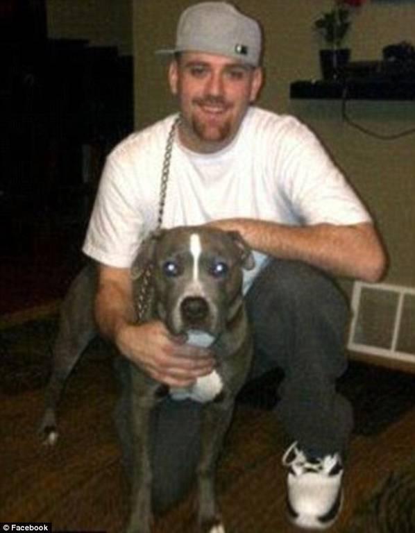 Φρικιαστικό: Ξερίζωσε με μαχαίρι το σκαλπ της συντρόφου του και έβαλε τον σκύλο να την κατασπαράξει