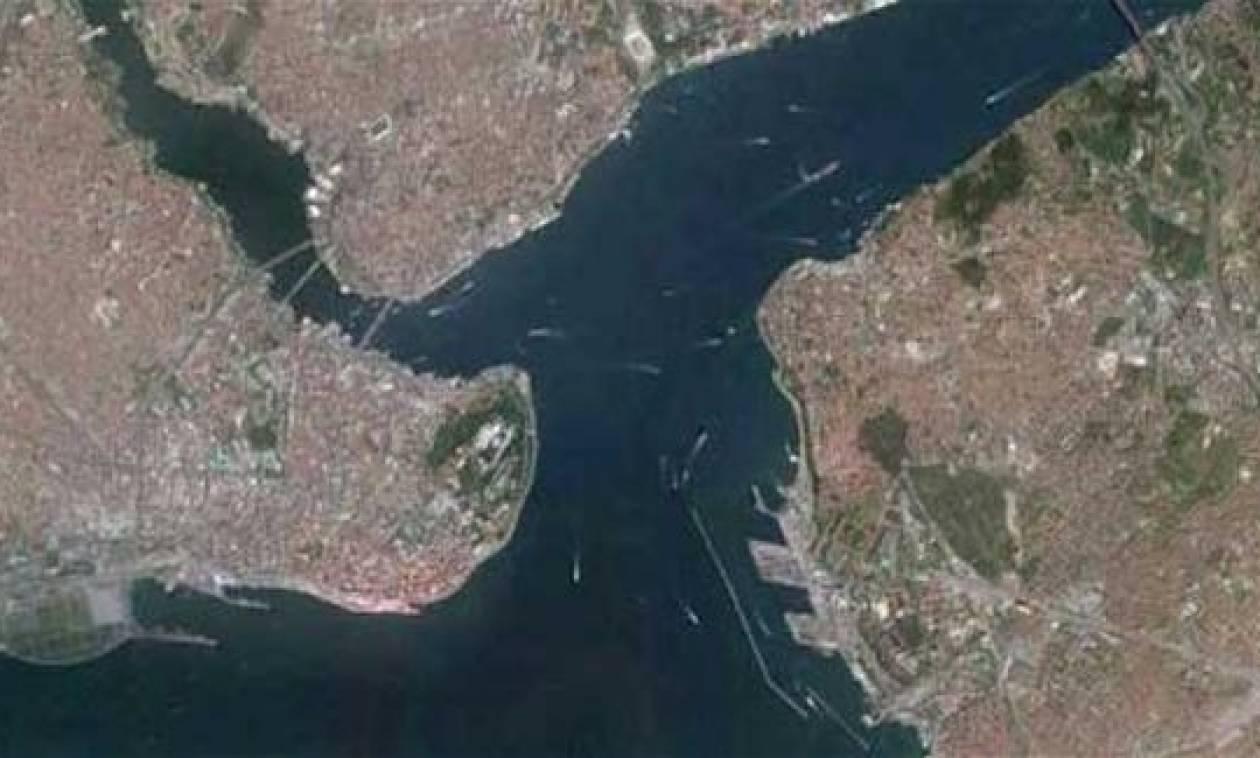 Τουρκία: Εντυπωσιακή υποθαλάσσια διάβαση πεζών στο Βόσπορο!