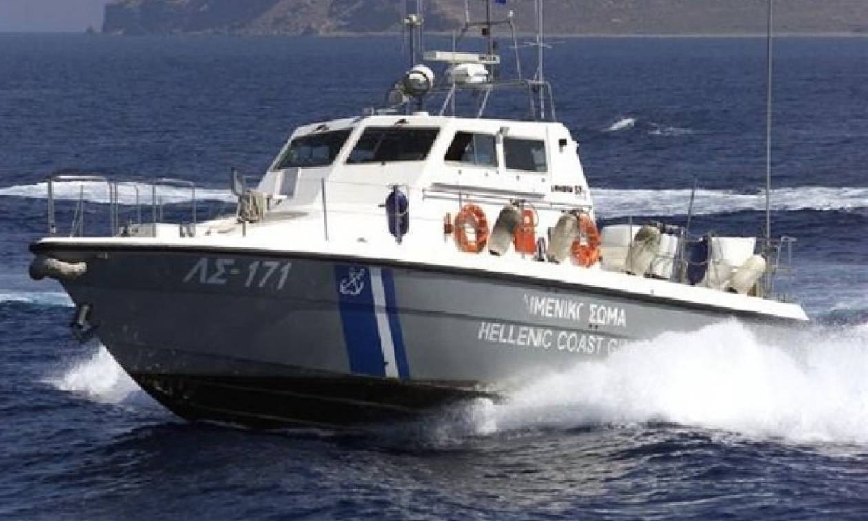 Θρίλερ στη Θεσσαλονίκη με ψαρά – Βρήκαν τη βάρκα του αναποδογυρισμένη