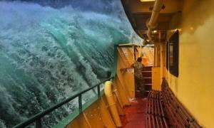 Viral: Το άκρον άωτον της ηρεμίας μέσα στην καταιγίδα (Pics)