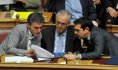 «Χαστούκι» της Eurostat στην κυβέρνηση: «Κατρακυλάει» η ελληνική οικονομία